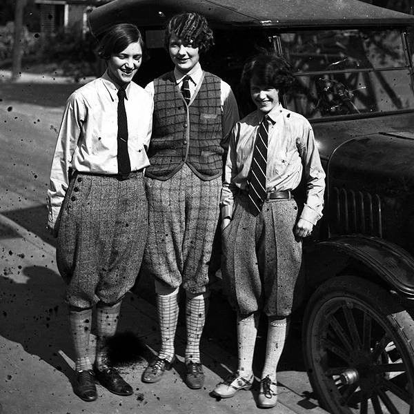 1920s teen girls wearing knickers