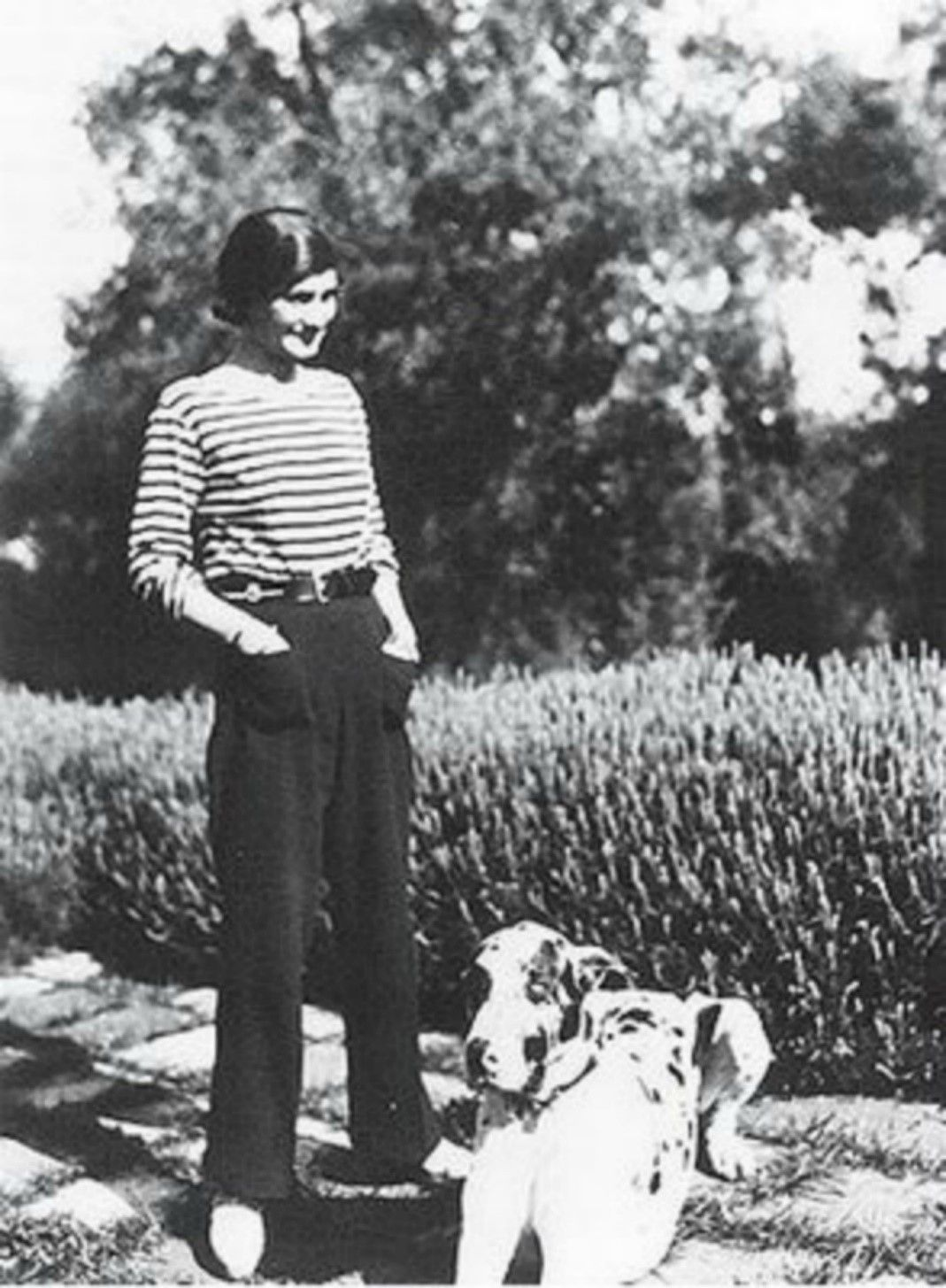 https://www.hungertv.com/wp-content/uploads/2015/08/Coco-Chanel-Trousers.jpg